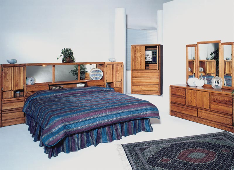 King La Jolla Oak Wall / Waterbed